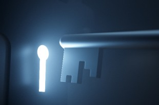 Key & glowing keyhole